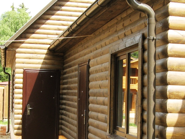 installer une terrasse en bois composite sur sol meuble